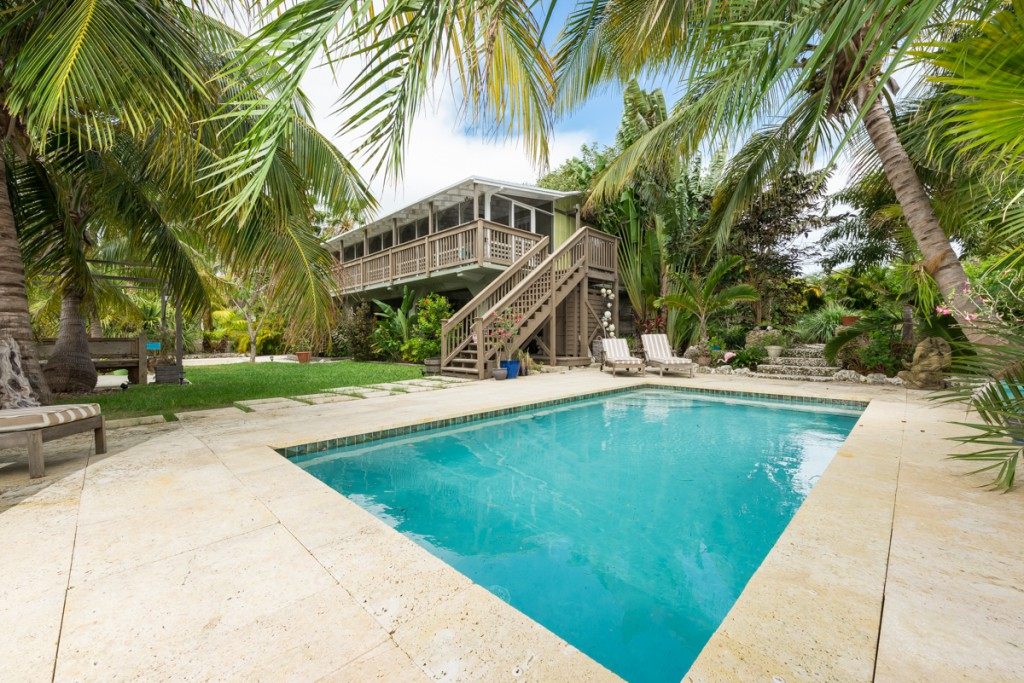 Your corner of paradise on Sugarloaf Key.
