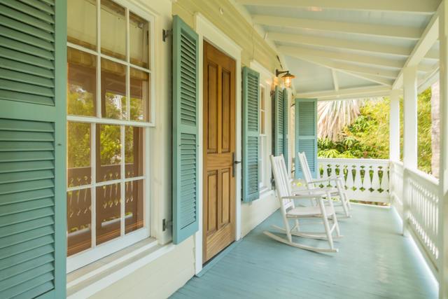 Dey Front Porch
